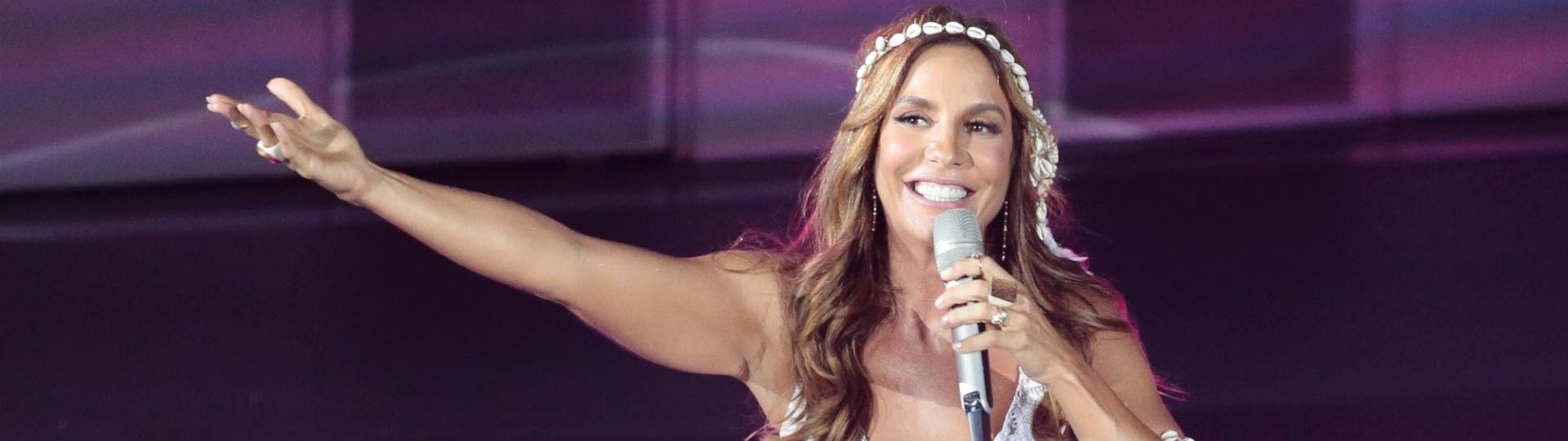8.abr.2016 - Ivete Sangalo grava DVD acústico em Trancoso, na Bahia
