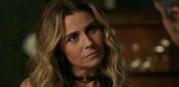 A gargantilha dourada usada pela personagem Atena (Giovanna Antonelli) em