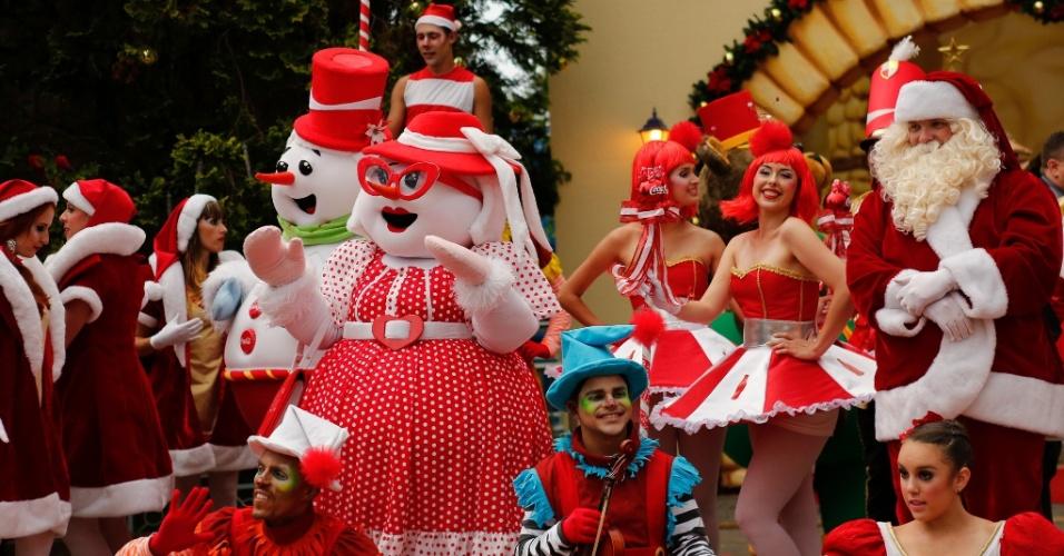 De 29 de novembro a 22 de dezembro, o parque de diversões Hopi Hari recebe um especial de Natal, com diversas atividades como visita à casa do Papai Noel, à Vila de Natal, encontro com o bom velhinho e uma parada, em que 50 personagens desfilam nas ruas do parque duas vezes ao dia. O Hopi Hari fica na  Rodovia dos Bandeirantes, km 72, Vinhedo (SP). Os ingressos custam R$ 79 (antecipado) e R$ 89 (bilheteria) e podem ser adquiridos através do site www.hopihari.com.br.