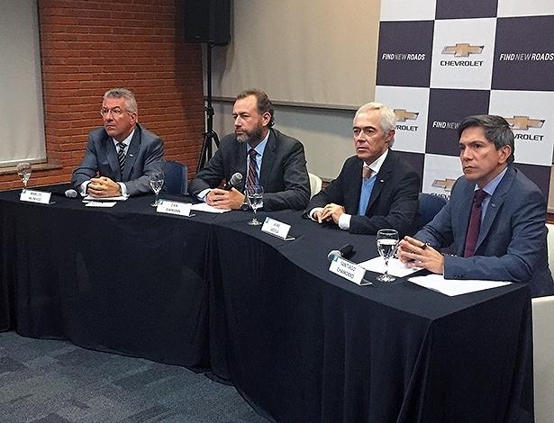 Cúpula da GM anunciou planos para fazer uma nova família de carros no Brasil