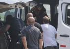 Rihanna é vista de óculos escuros e boné em sua chegada no Rio de Janeiro - Gabriel Rangel e Dilson Silva/AgNews