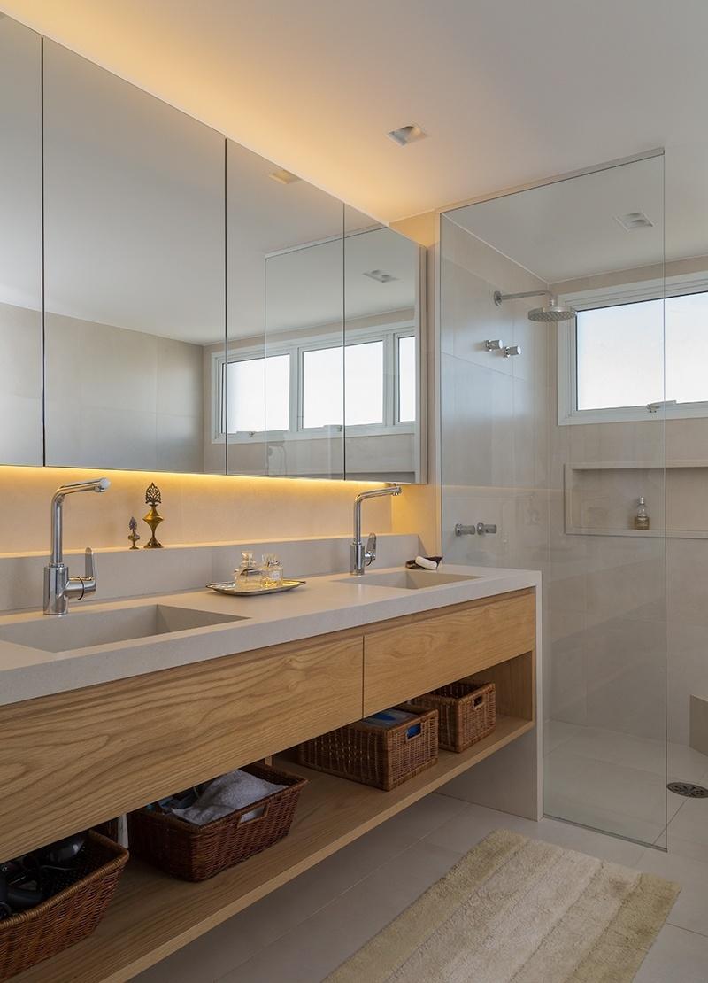 Banheiros sugestões para decoração tendo muito ou pouco espaço  BOL Fotos  # Pia De Banheiro Feita De Sobra De Porcelanato