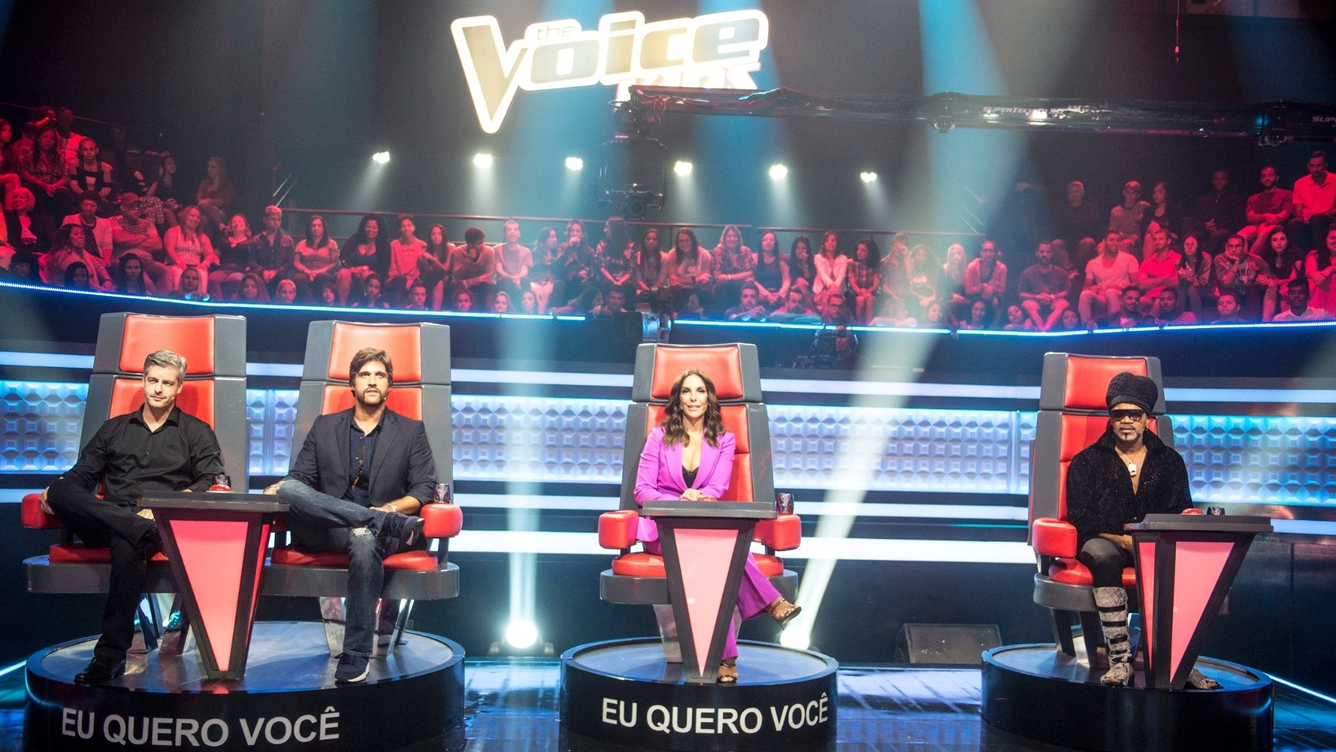 Victor & Leo, Ivete Sangalo e Carlinhos Brown sentam na cadeira do