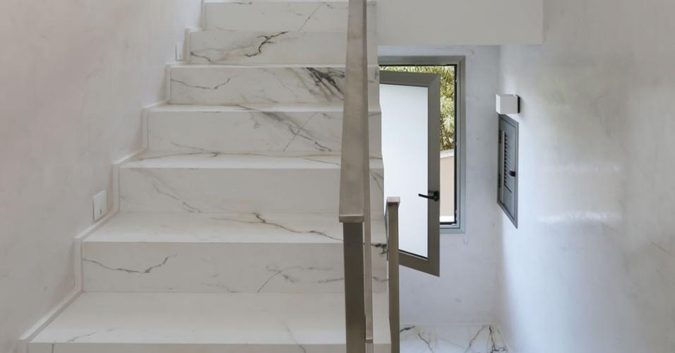 mesa jardim cad blocos:As escadarias da casa Campinas reproduzem o piso da área social, em
