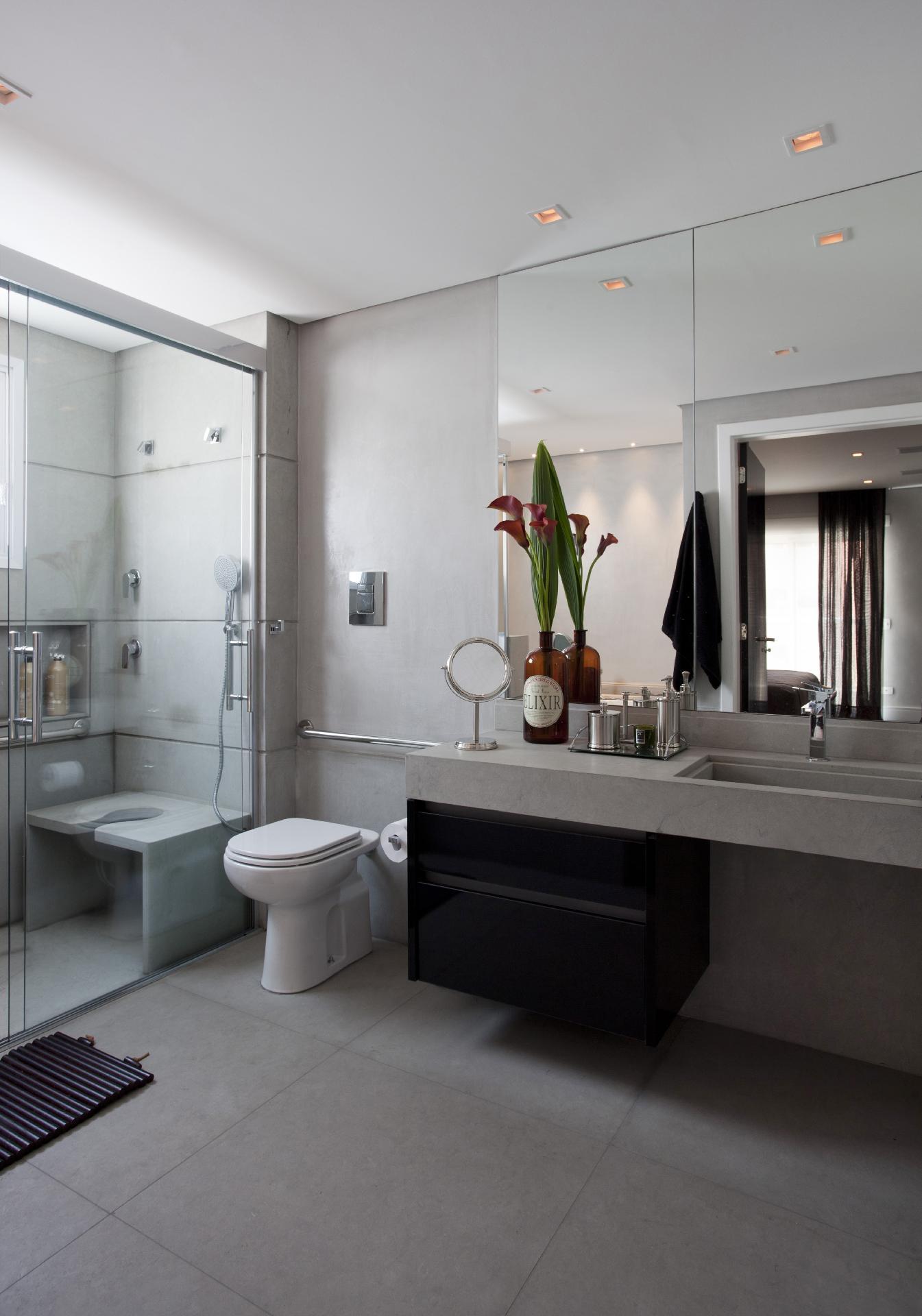 banheiro as adaptações nas áreas de banho (com um banco) do vaso  #746357 1345x1920 Banheiro Com Pastilha Atras Do Vaso Sanitario