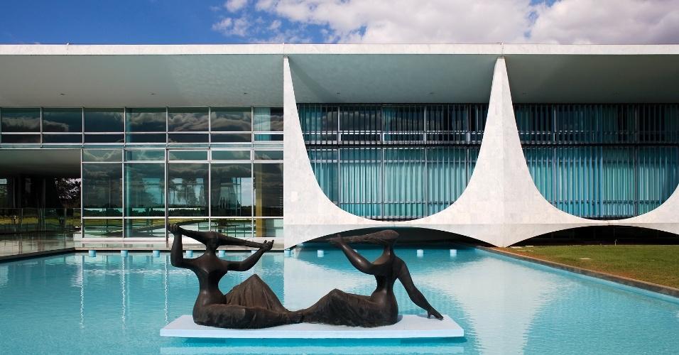 Colunas do pal cio da alvorada se tornaram s mbolos de - Arquitecto de brasilia ...