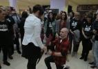 Britânico organiza flashmob com dançarinos de break para pedir namorada em casamento - Reprodução/BBC
