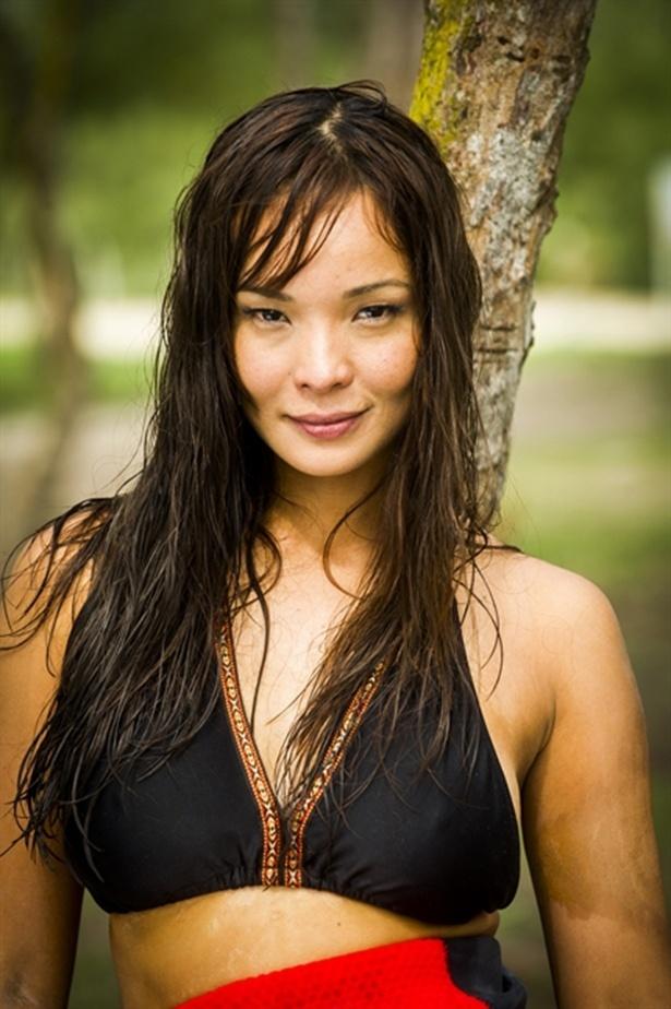 Carol Nakamura é Hiromi em