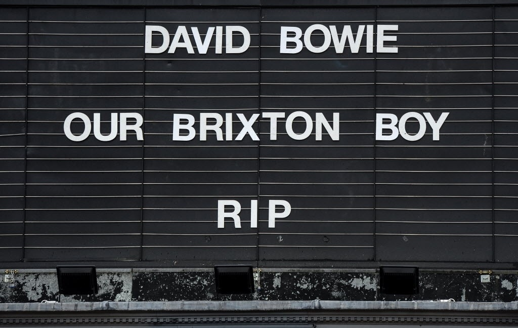 11.jan.2015 - Fachada do cinema Ritzy Picturehouse, em Brixton, Londres, homenageia David Bowie