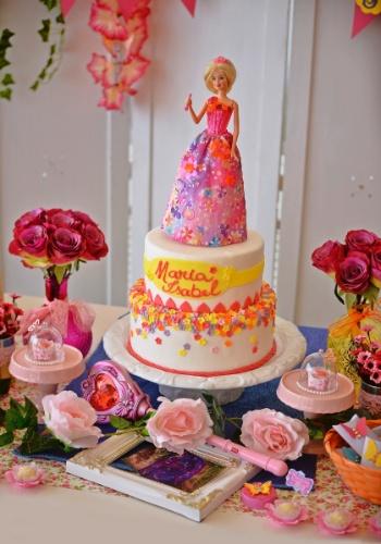 """Filme """"Barbie e o Portal Secreto"""" inspira aniversário de 6"""