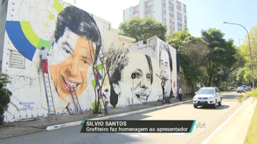26.ago.2016 - Silvio Santos ganha homenagem