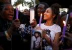 Fãs prestam última homenagem ao cantor Prince - REUTERS/Lucy Nicholson