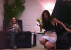 Bruna Marquezine cai em pegadinha armada por Luciano Huck e Tatá Werneck - Reprodução/TV Globo