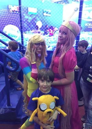 Piscina gigante de bolinhas atrai adultos saudosistas na Comic Con