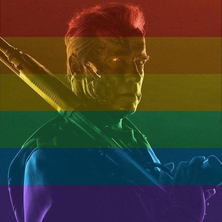 26.jun.2015 - Arnold Schwarzenegger não precisou deixar a pose de valentão para colorir sua foto do perfil do Facebook em comemoração à legalização do casamento gay nos Estados Unidos