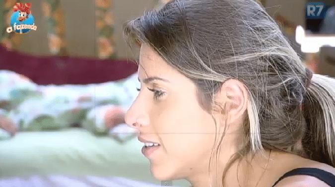 3.nov.2015 - A ex-panicat revelou que mesmo sendo nova, está decidida a se casar com Thiago Servo