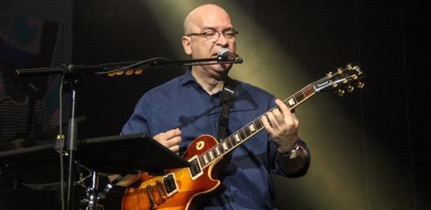 Representando os Paralamas do Sucesso, Herbert Vianna participa do projeto Nivea Viva, que celebra o rock brasileiro