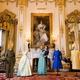 Palácio de Buckingham recebe mostra do guarda-roupa da rainha Elizabeth - Divulgação