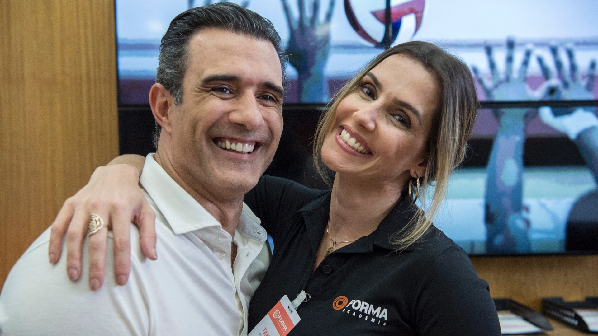 Marcos Pasquim e Deborah Secco nos bastidores de