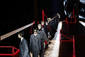 Em Paris, moda masculina reafirma personalidade em um mundo ameaçador (Foto: AFP)