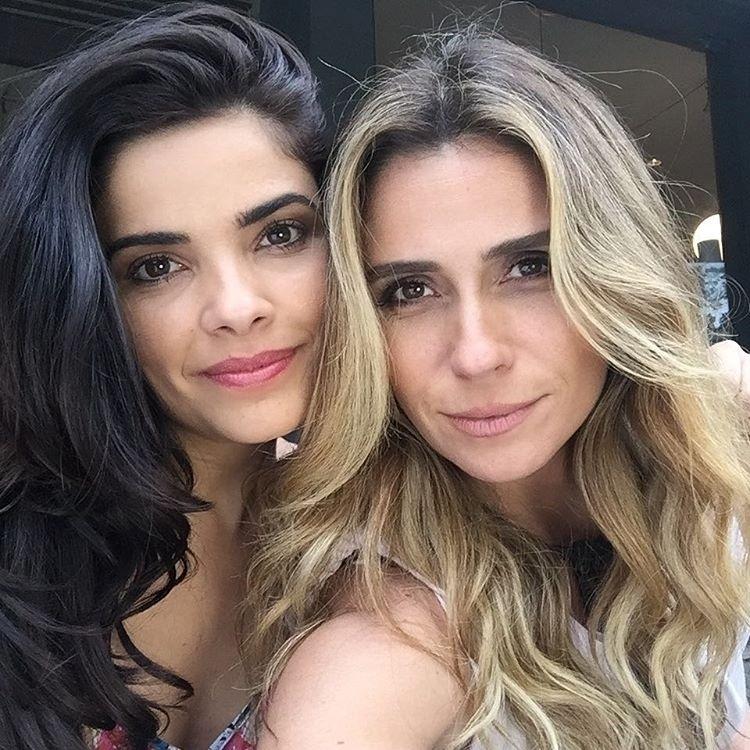 8.dez.2015 - Giovanna Antonelli publicou em seu perfil no Instagram uma foto ao lado de Vanessa Giácomo, sua