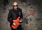 """Joe Satriani aos jovens guitarristas: """"Toque cada nota como se fosse única"""" - Divulgação"""