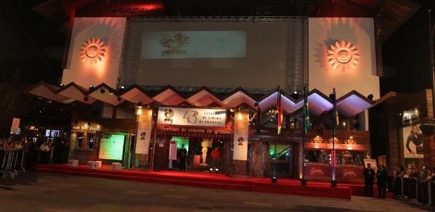 O Festival de Cinema de Gramado, na serra gaúcha, foi aberto oficialmente no fim da tarde desta sexta (7)