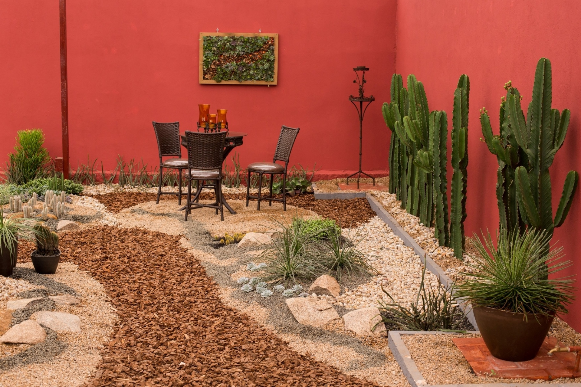 ideias para um jardim grande: um quadro de 100 cm x 50 cm com grande variedade de suculentas e