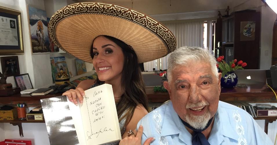 Nadja Haddad com Rubén Aguirre, o professor Girafales