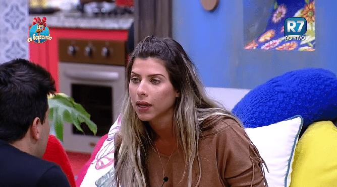 7.out.2015 - Ana Paula Minerato e Thiago Servo protagonizaram mais uma discussão fervorosa