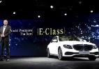 Mercedes-Classe E anda sozinho e fala com motorista - Gary Cameron/Reuters