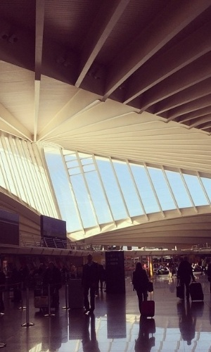 Aeroporto Bilbao : Dá até vontade de perder o avião veja os aeroportos mais
