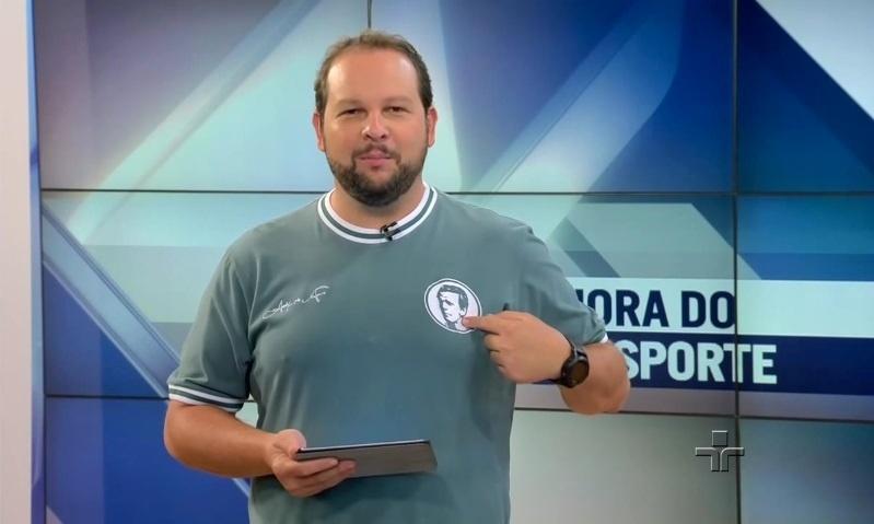 Cadu Cortez usa camisa do Palmeiras no