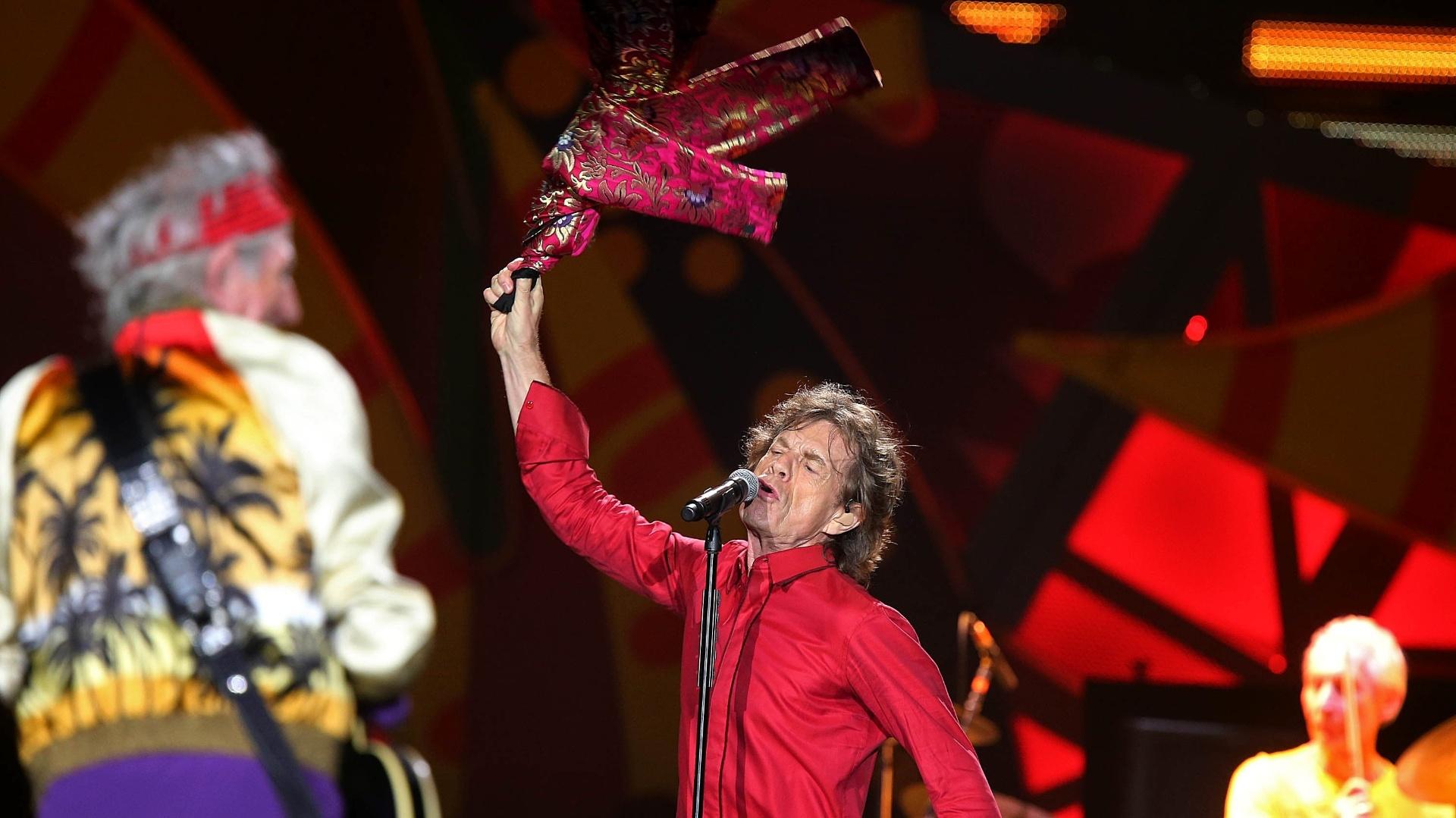 20.fev.2016 - Mick Jagger e sua banda Rolling Stones se apresentam no estádio do Maracanã, no Rio de Janeiro