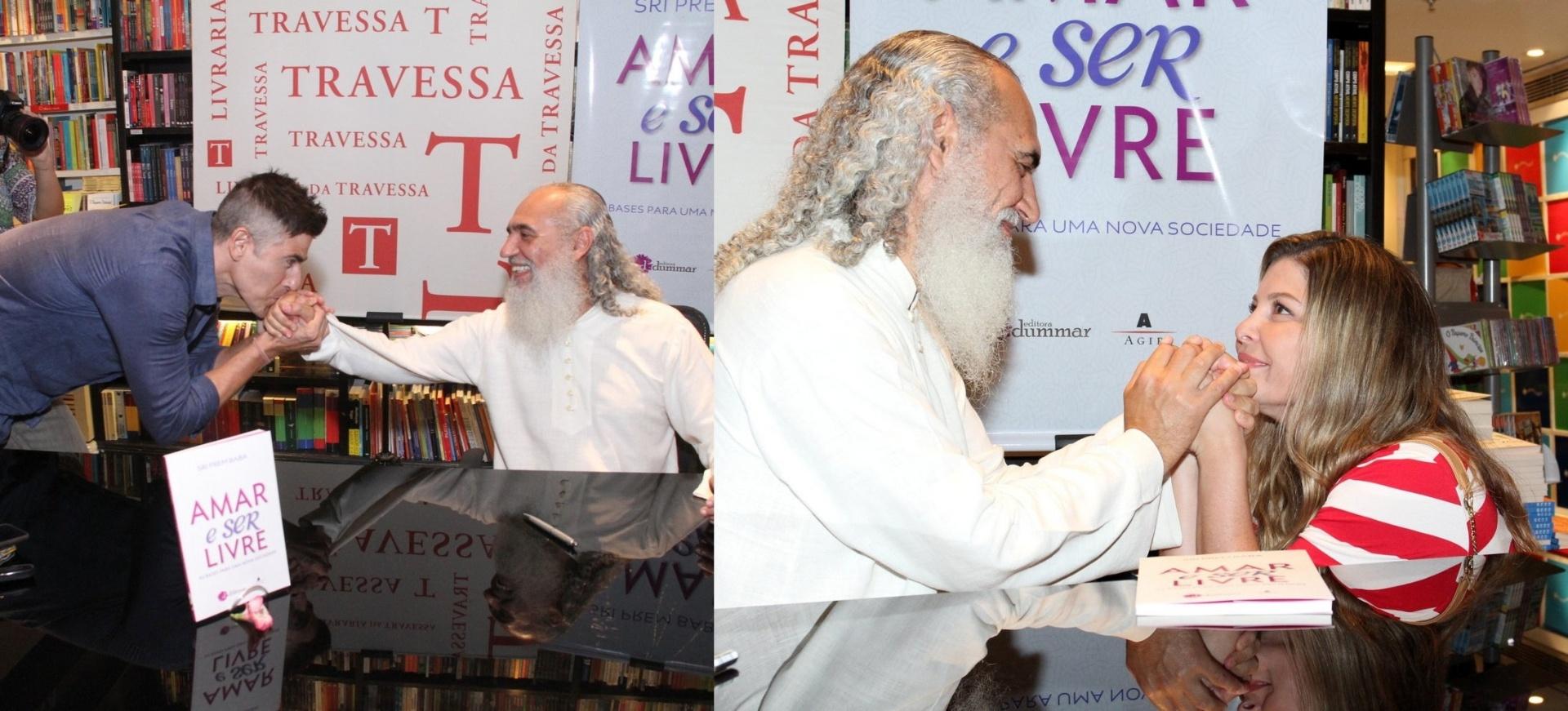 15.jul.2015- Reynaldo Gianecchini e Bárbara Borges prestigiam lançamento do livro