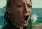 """Em trailer de """"Águas Rasas"""", Blake Lively enfrenta um grande tubarão-branco - Divulgação"""