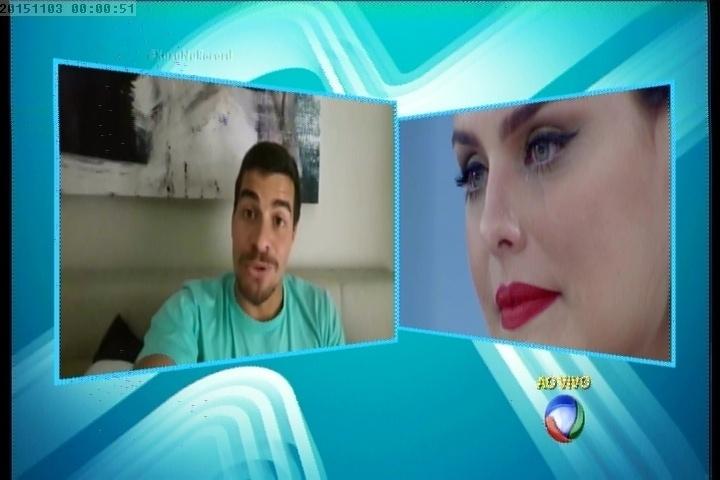 2.nov.2015 - Paloma Bernardi se emociona com depoimento de Thiago Martins