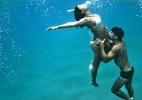 Sophie Charlotte e Daniel de Oliveira demonstram sintonia até debaixo d