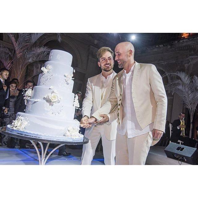 Paulo Gustavo e Thales Bretas se casaram depois de um ano de namoro em uma festa badalada no Rio