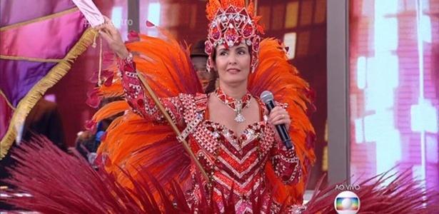 Fátima Bernardes apresenta o programa vestida de porta-bandeira