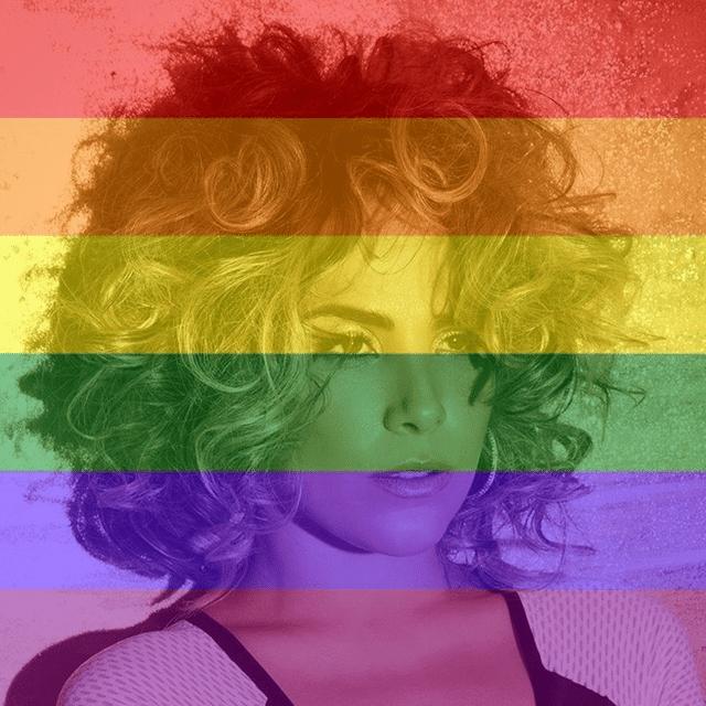 26.jun.2015- Wanessa comemora decisão com filtro da bandeira LGBT no Facebook: