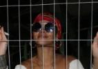 Rihanna é tietada em heliponto antes de embarcar para a Cidade do Rock - AgNews