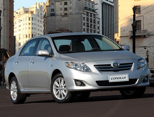 Corolla Altis 2011: airbag pode soltar estilhaços sobre passageiros