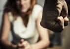 Mulher esconde pedido de ajuda na lição do filho para denunciar maus tratos do marido - Getty Images