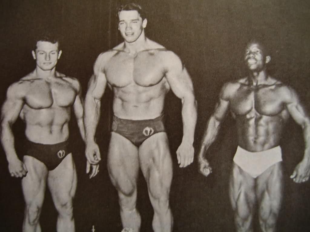 Arnold Schwarzenegger como Mister Universo