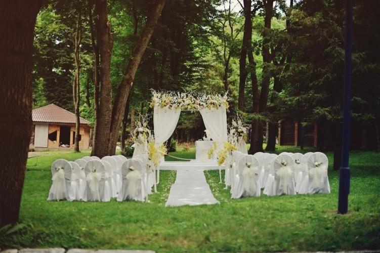 decoracao alternativa e barata para casamento:seu casamento com flores baratas e bonitas; veja sugestões – Casa e