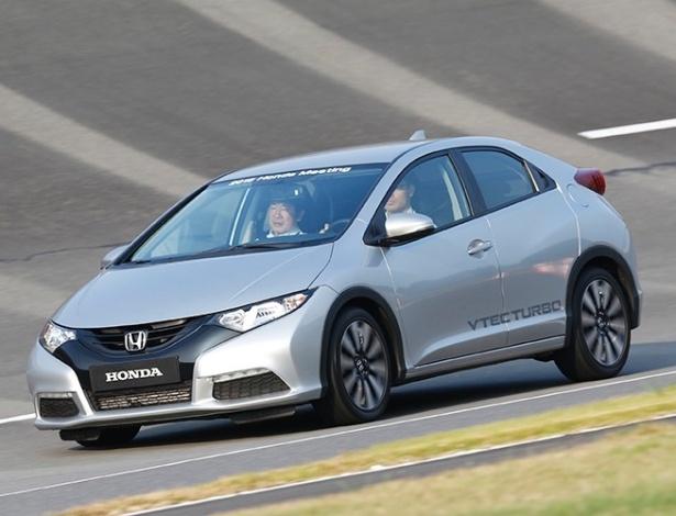 UOL Carros testou novo motor 1.0 turbo no Civic Hatch, em Tochigi (Japão)