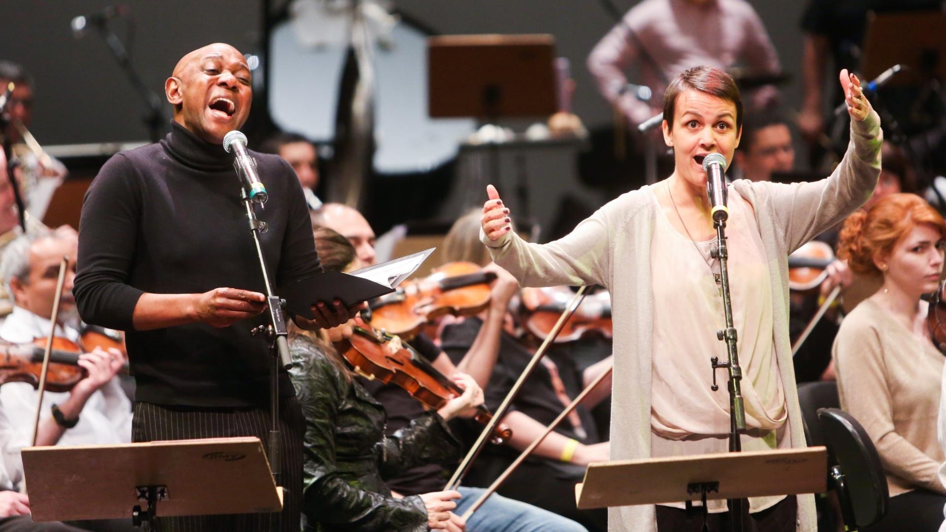 Dois solistas irão interpretar as canções: Edson Montenegro e Juliana Amaral