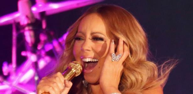 1.jan.2016 - Mariah Carey durante show no Réveillon de Melbourne, na Austrália