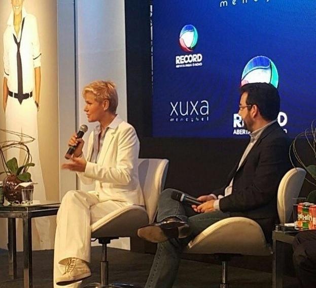 11.ago.2015 - Xuxa apresenta seu novo programa nos estúdios da Record no Rio de Janeiro